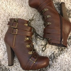 GUESS Kellie Leather Boots